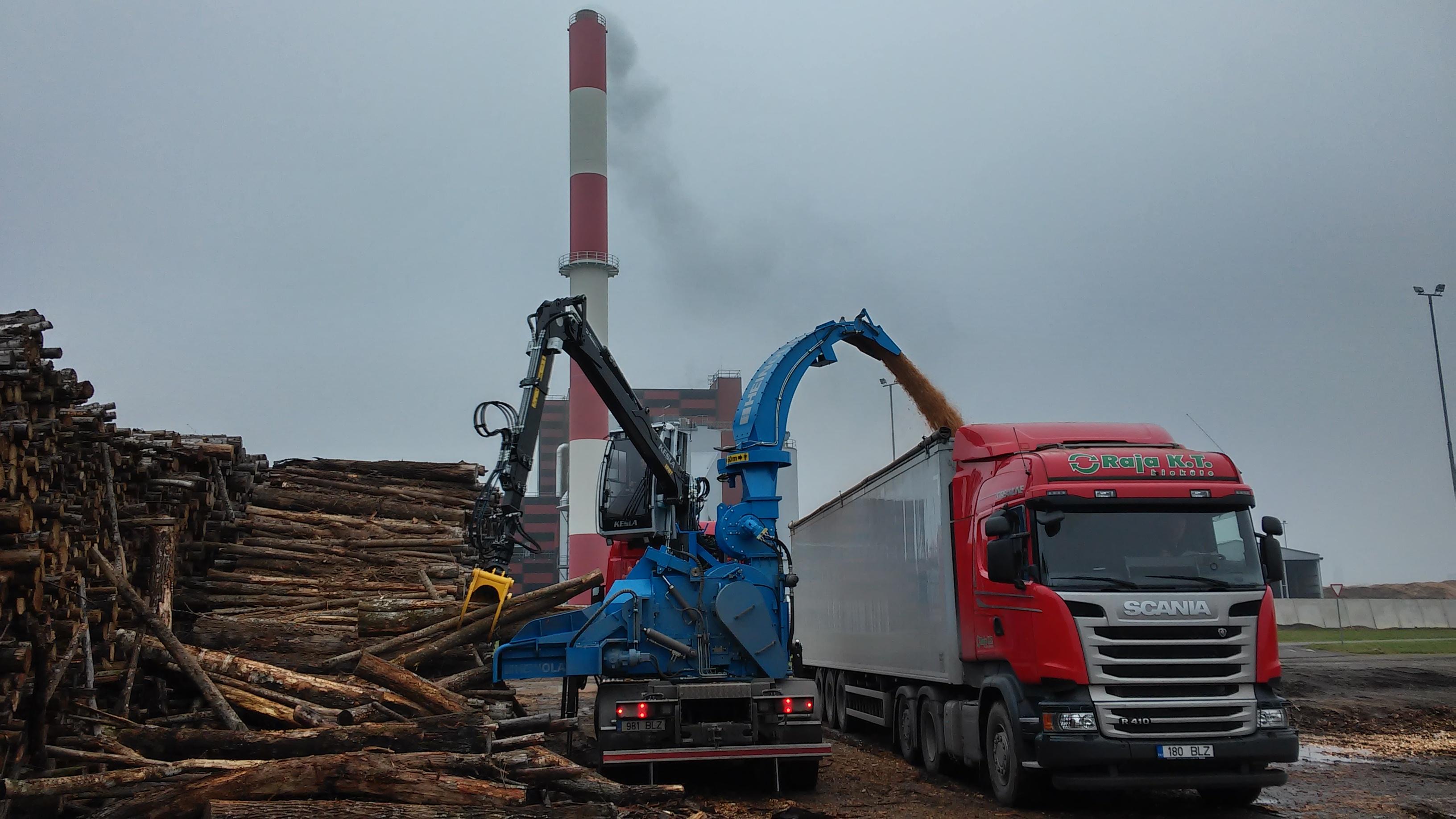 Pöördlabadega ventilaatorid puiduhakkuritele
